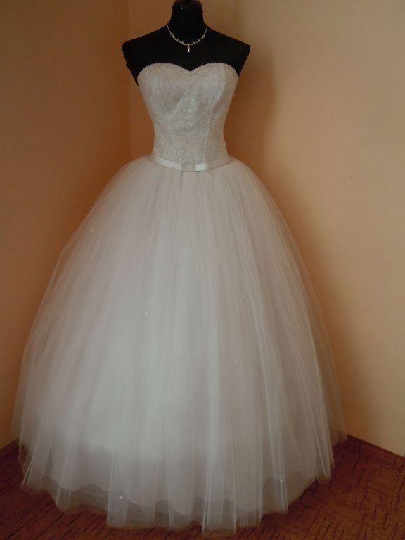 DSCN0019 Menyasszony