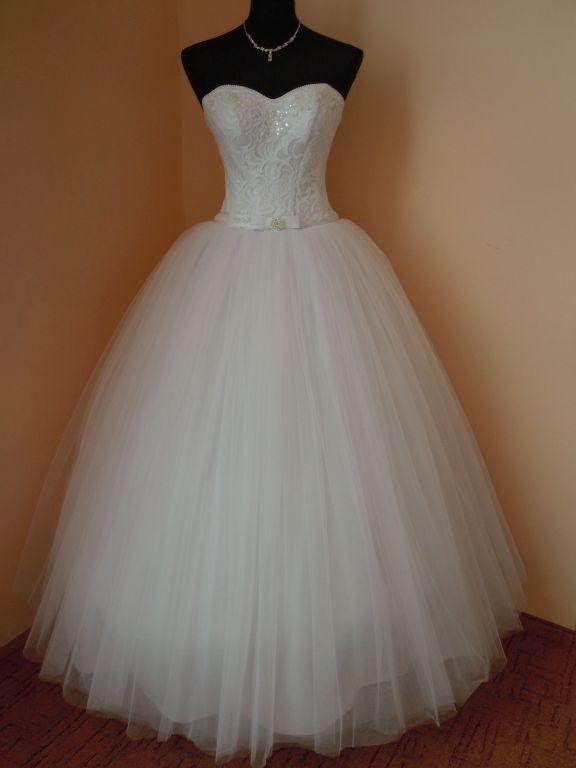 DSCN0022 Menyasszony