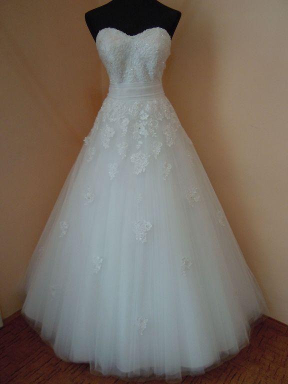 DSCN9960 Menyasszony