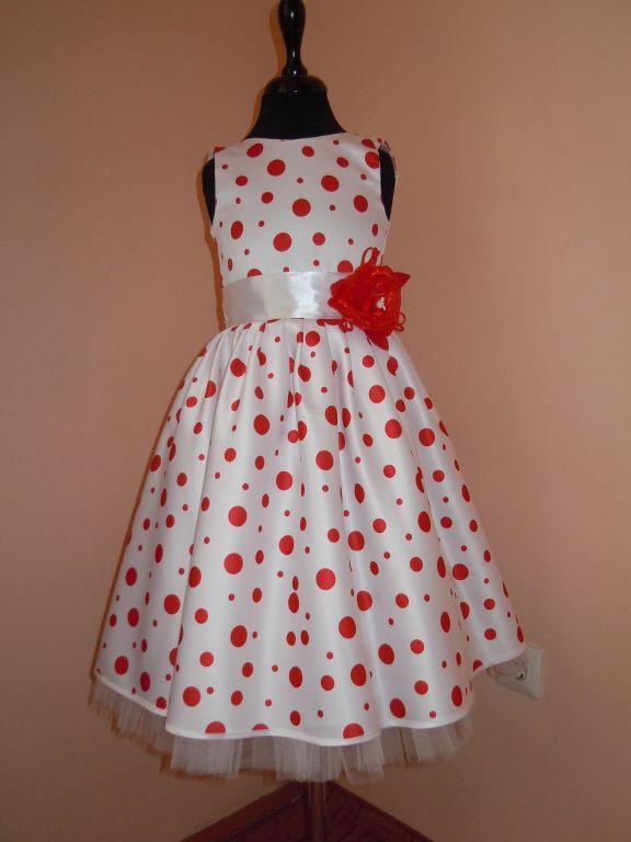 DSCN9966 Gyerek koszorús ruhák