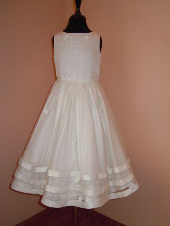 DSCN9967 Gyerek koszorús ruhák