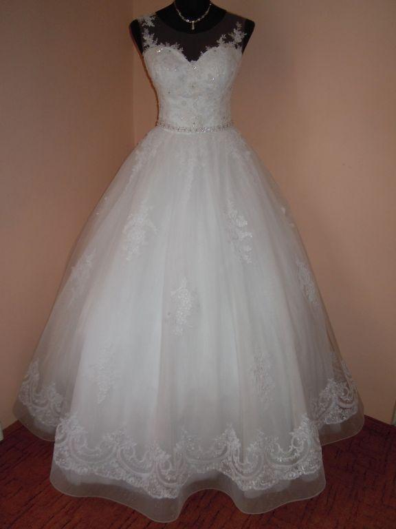 DSCN9987 Menyasszony