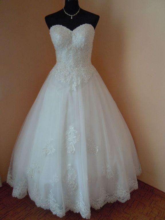 DSCN9990 Menyasszony