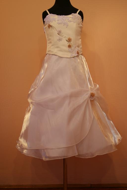 gyere_koszorus_ruhak_9 Gyerek koszorús ruhák