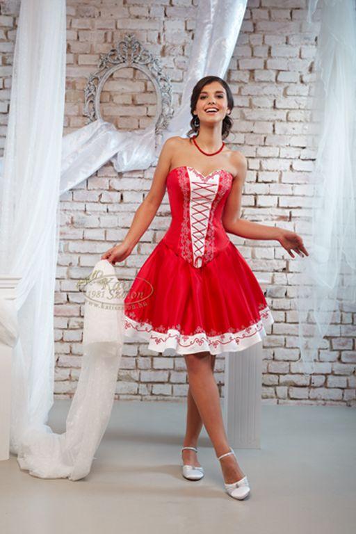 78c8d68769 Menyecske és felnőtt koszorús ruhák - Kata Esküvői Ruhaszalon