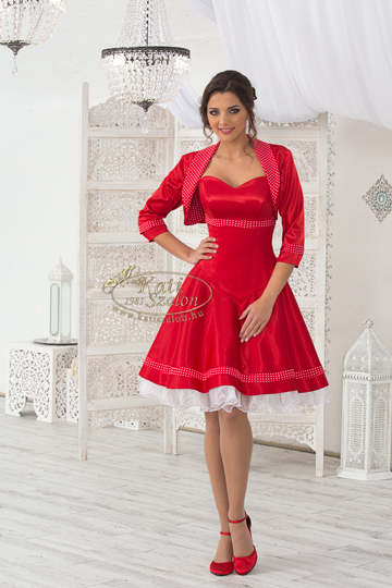 menyecske_101 Menyecske és felnőtt koszorús ruhák