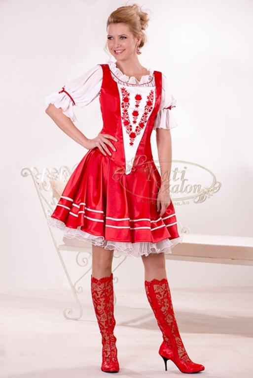 menyecske_17 Menyecske és felnőtt koszorús ruhák